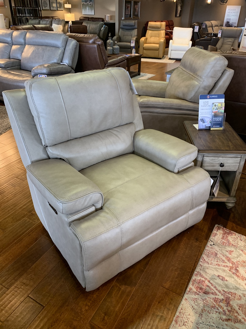 Picture of: Bassett Club Level Parker Recliner Furniture